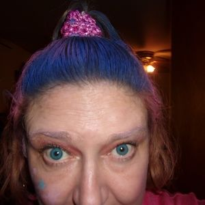 Meet the Posher Other - Meet your Posher, Corinne